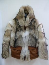 Мужская куртка из меха волка с кожаными карманами