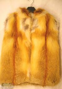 Женский жилет из меха лисы